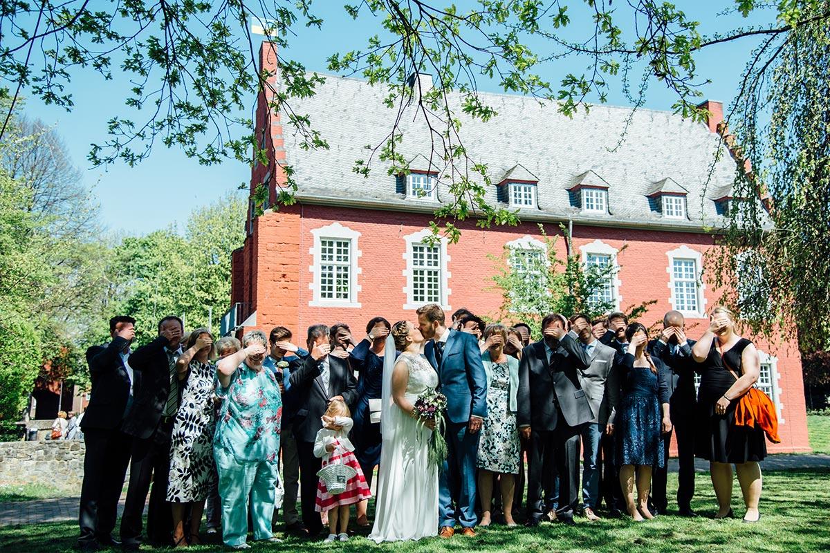 Hochzeitsgruppenfoto Burg Alsdorf