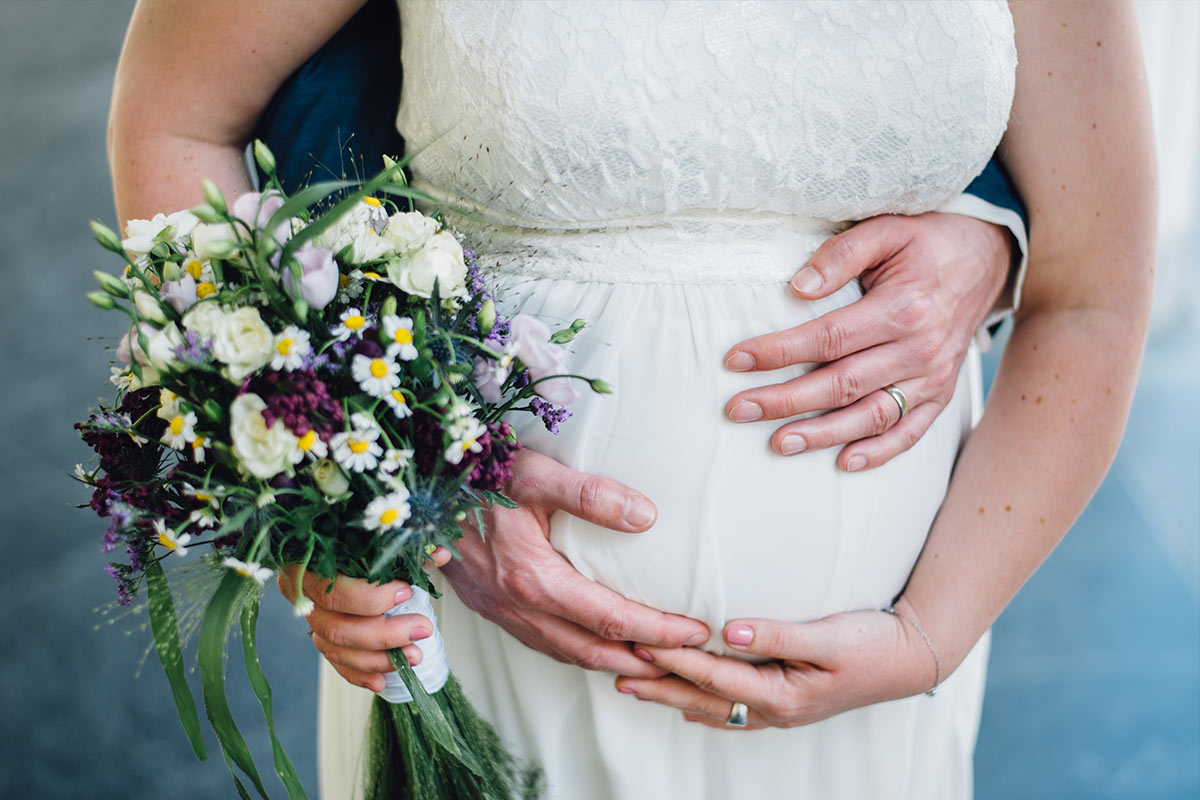 Schwangere Braut