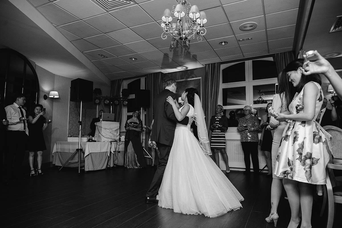 Hochzeitsfeier Schloss Bloemendal Raum Monastere 015