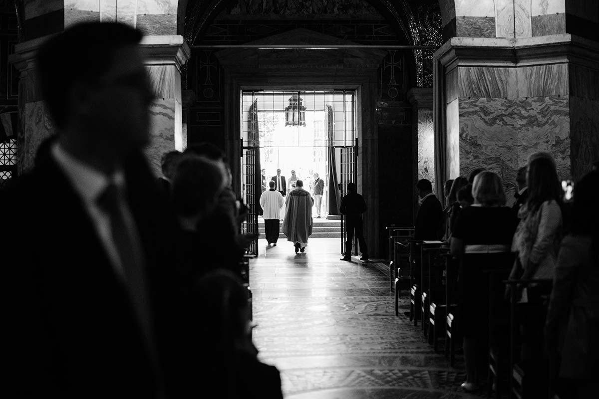 Braut im Aachener Dom