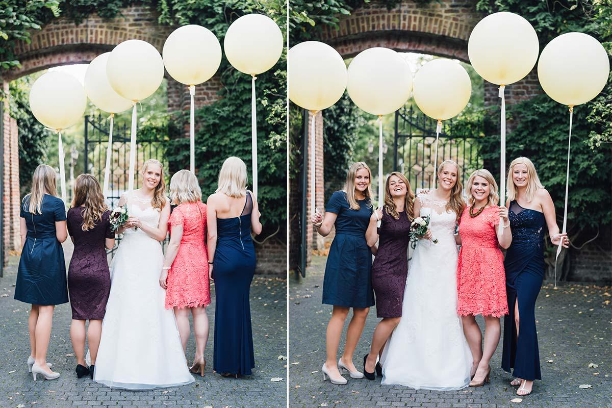 Große Hochzeitsluftballons Gruppenfoto