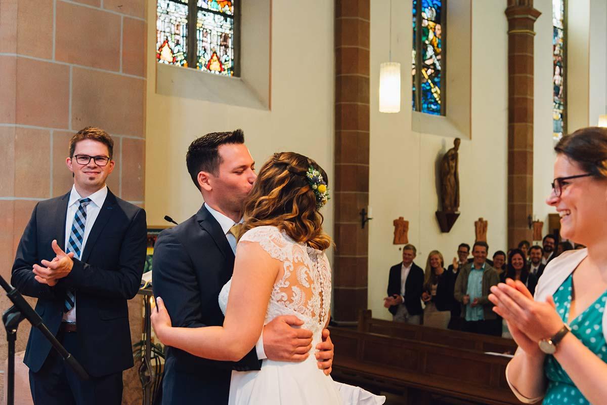 Hochzeitskuss Kirchliche Hochzeit Altrich