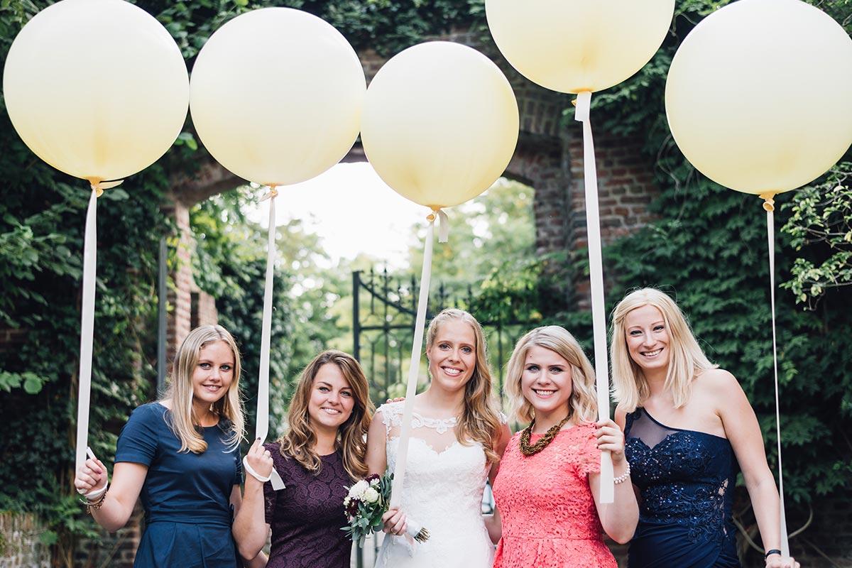 Mädels Gruppenfoto Hochzeit
