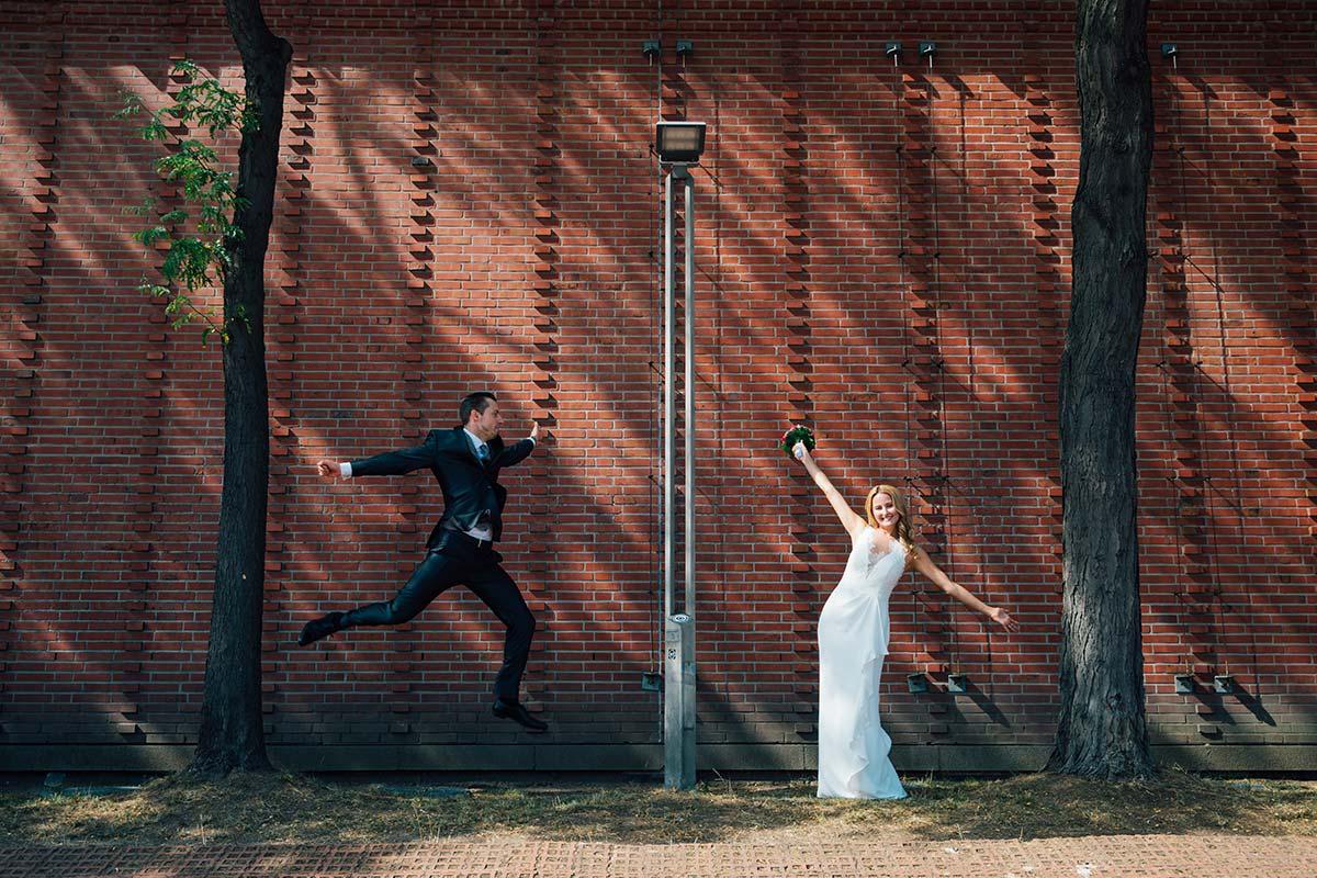 Sportliches Brautpaar Kölner Innenstadt