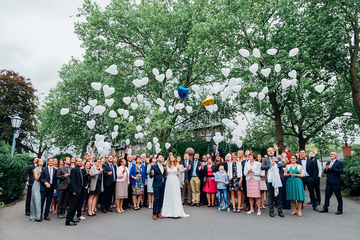 Weinromantikhotel Richtershof Hochzeit Gruppenfoto