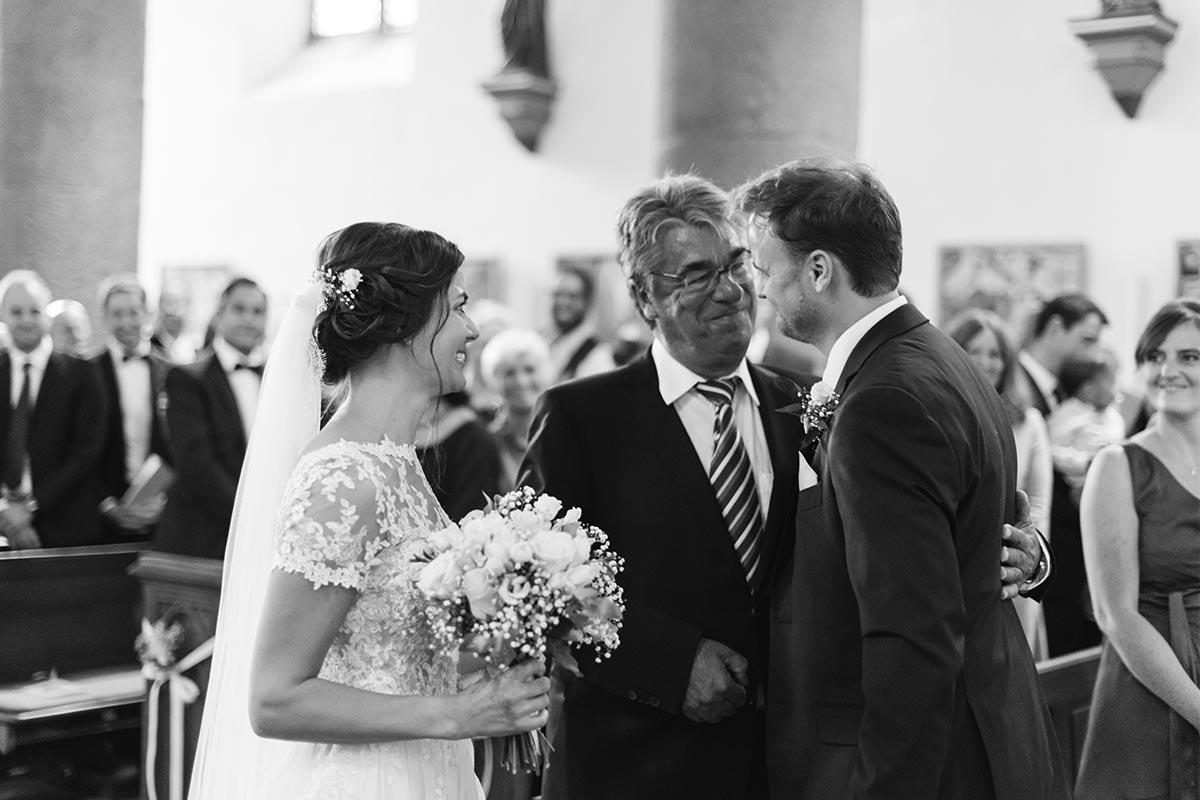 Übergabe Braut Brautvater Bräutigam