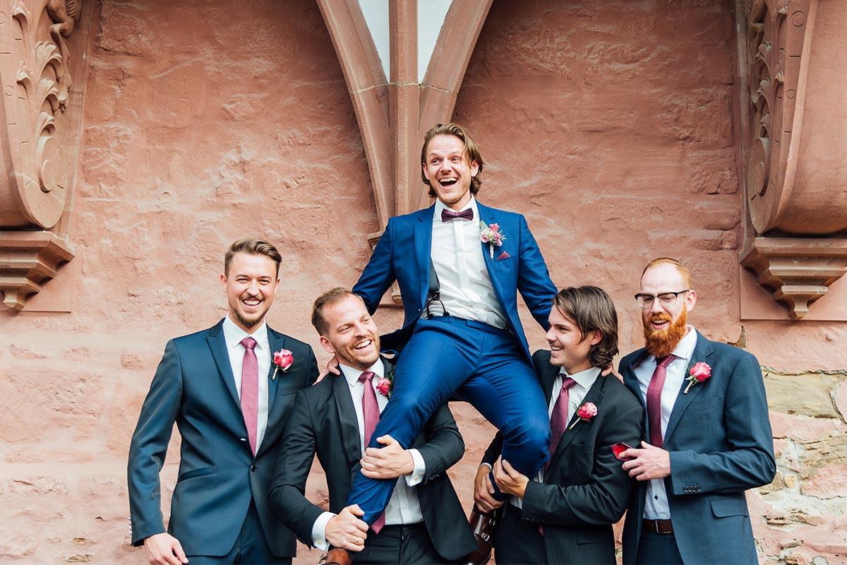 Bräutigam Best Men Gruppenfotos - Schloss Burgau
