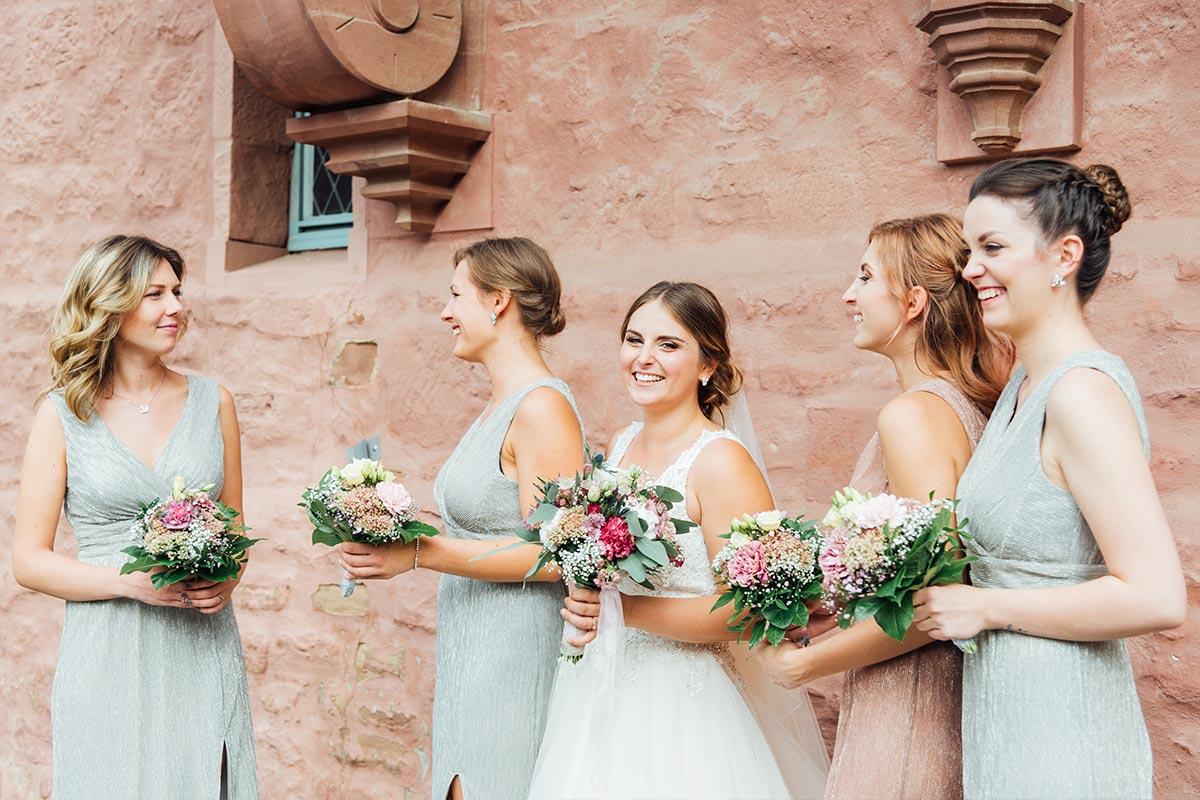 Braut Brautjungfern - Hochzeitsfotos Schloss Burgau