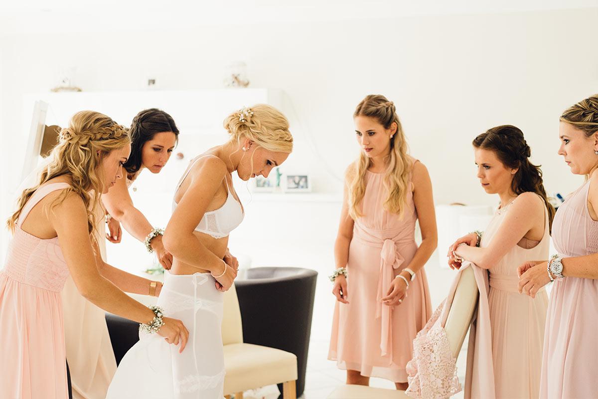 Getting Ready Braut und Brautjungfern