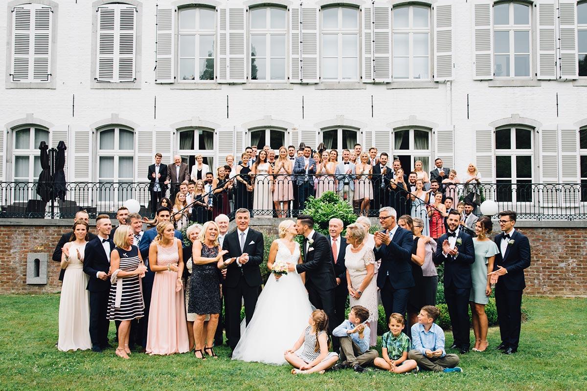 Gruppenfoto Hochzeitsgesellschaft Vintage