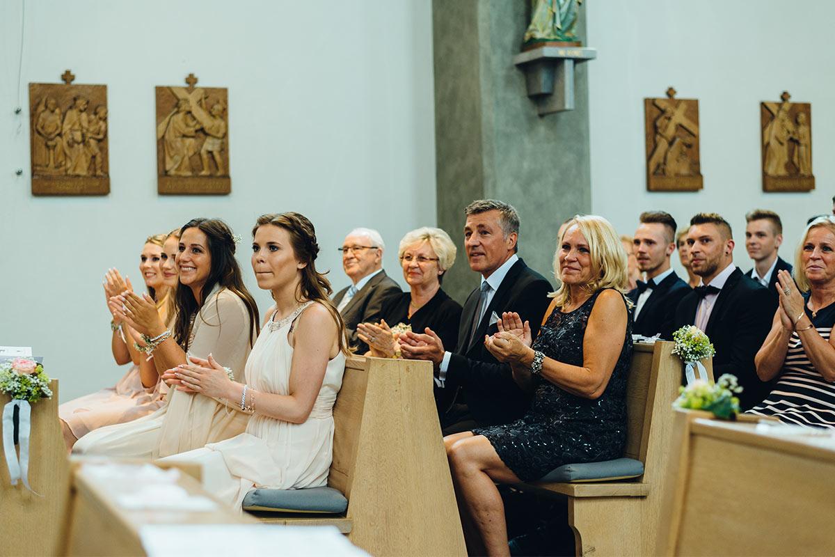 Kirchliche Hochzeit Kuss Beggendorf