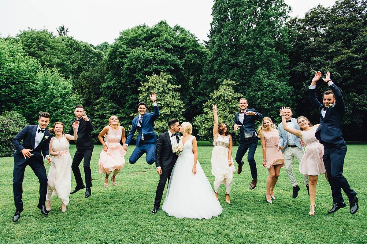 Modernes Gruppenfoto Vintage Hochzeit