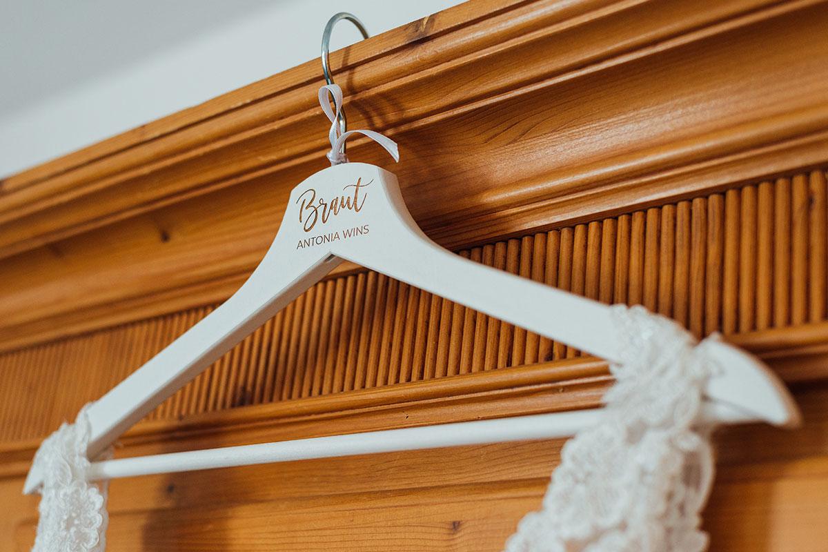 Personalisierter Kleiderhaken Braut