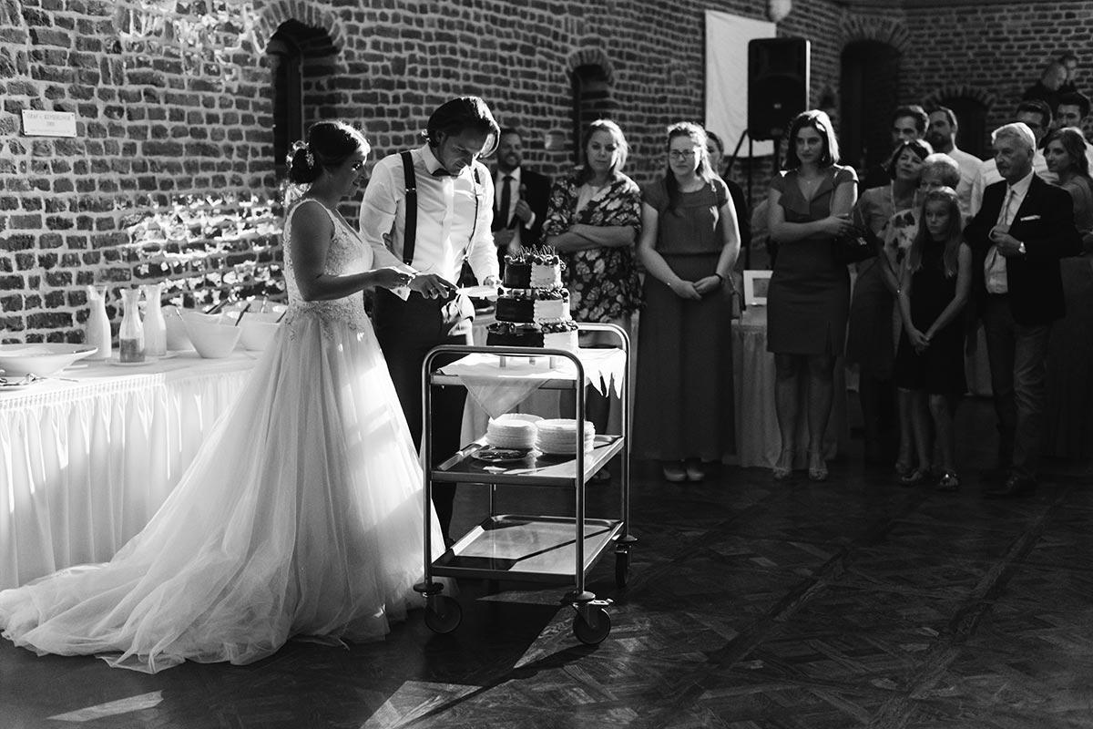 Anschnitt Hochzeitstorte Schloss Burgau